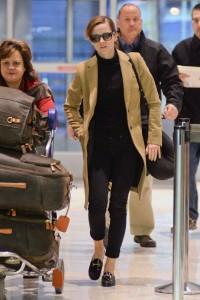 Emma-Watson-at-JFK-airport-in-NY--02-720x1080[1]